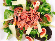 fig, ham and sheep's cheese salad