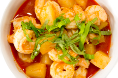 pineapple and shrimp red curry