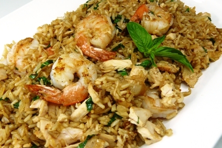 Thai fried rice with basil