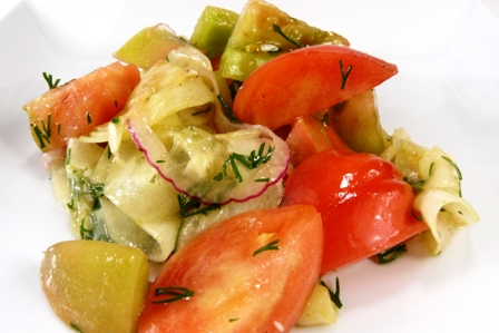 tomato salad with red onion & dill